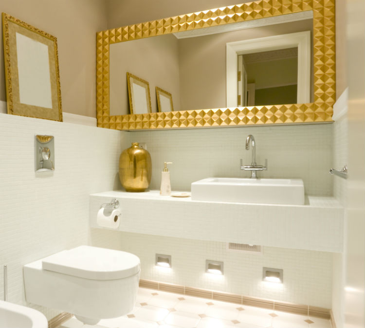 5 low cost and easy ways to remodel a bathroom for Ways to remodel a small bathroom